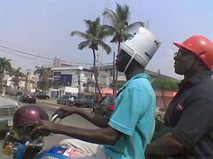 safety first. remember kids safety first. REMEMBER Safety first!is that a helmet on the handlebars? Funny Meme Pictures, Funny Videos, Funny Images, Meme Pics, Stupid People, New People, Darwin Awards, Demotivational Posters, Safety First