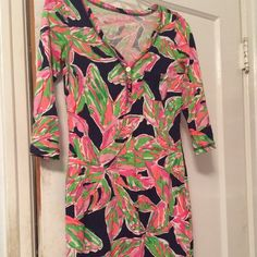 Lilly Pulitzer Palmetto v-neck dress Beautiful Lilly dresses worn only a couple of times.Willing to trade Lilly Pulitzer Dresses