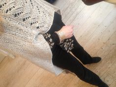 Warm poncho and silk shirt Boutique Clothing, Amazing Women, Warm, Silk, How To Wear, Shirts, Shirt, Silk Sarees, Top