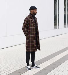 Streetwear is very good for fall because most of it involves jackets, oversized clothing, higher excellent material, and on top of that, a distinctive. Beanie Outfit, Fashion Mode, Look Fashion, Fashion Outfits, Fashion Photo, Fashion Styles, Fashion Trends, Fashion Ideas, Rebel Fashion