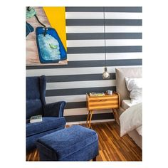 S T R I P E S  I just love a bold stripe. Espescially combined with strong colours and vintage furniture.  #interiors #design #interiordesign #decoration #interiordecoration #stripes #vintagefurniture #homedeco #instadesign #christianhantschelinteriordesign