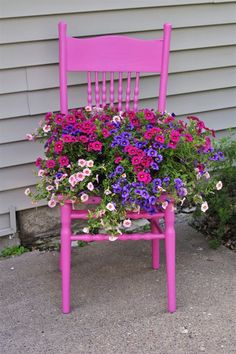 Chairs for Your Breathtaking Outdoor Furniture Here are types of garden chairs you could select for the amazing rustic decoration of your courtyard.Here are types of garden chairs you could select for the amazing rustic decoration of your courtyard. Garden Types, Diy Garden, Garden Planters, Garden Projects, Garden Art, Garden Landscaping, Herb Garden, Landscaping Ideas, Garden Pond