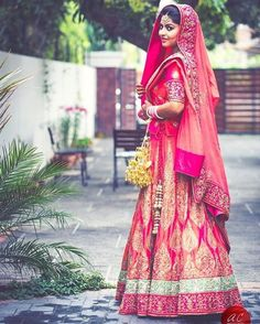 Lusting over this silk lehenga and how gorgeous she looks! Photo by @abhinav_art #bride #indianwedding #wedding #weddingday #indianbride #pink #lehenga #silk #kaleere #pretty #instagood #instapic #instadaily #love