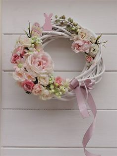 Clarah / Veľkonočný veniec na dvere Kaja, Floral Wreath, Wreaths, Decoration, Spring, Diy, Home Decor, Garlands, Dekoration