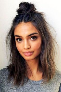 10 No heat hairstyles for fall and winter - Frisuren Ideen - Beauty No Heat Hairstyles, Modern Hairstyles, Protective Hairstyles, Weekend Hairstyles, Natural Hairstyles, Knot Hairstyles, Popular Hairstyles, Festival Hairstyles, Going Out Hairstyles
