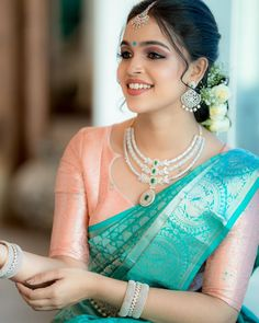 South Indian Jewellery, Indian Jewellery Design, Wedding Dresses For Girls, Girls Dresses, Wedding Silk Saree, Stylish Sarees, Traditional Sarees, Indian Designer Wear, Ethnic Fashion