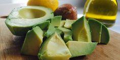 Los aguacates consiguen ser a la vez atemporales y de moda. Este fruto con interior de color verde se utiliza en clásicos como guacamole, ensalada y en la, Dietas Deportivas, dietasdeportivas.com