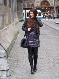 Spotted VILA dress, leather jacket and leggings on chloesterk.nl