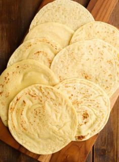 3 ingredient, soft tortillas that are grain free nut free & vegan! Tapioca flour, chickpea flour, coco milk Source by leeolive Gluten Free Cooking, Dairy Free Recipes, Vegan Recipes, Cooking Recipes, Wheat Free Recipes, Gluten Free Grains, Freezer Recipes, Freezer Cooking, Drink Recipes