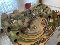 N Scale Model Trains, Model Train Layouts, Scale Models, Lego Train Tracks, Lego Trains, Train Miniature, Model Railway Track Plans, Electric Train, Train Set