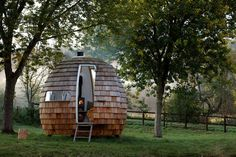 Charming Outdoor Relaxation Pods - The Podmakers Escape Pods Let You Get Away from Modern Stresses (GALLERY)