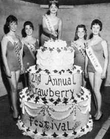 1960 2nd annual Strawberry Festival GIGANTIC cake with pageant girls (made by Priscilla's Cake Box, Garden Grove, California)