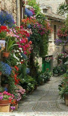 Bellas imágenes de Umbría pueblo de Italia.