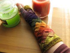 Cute Knitting: Entrelac Gloves by Julie Browne