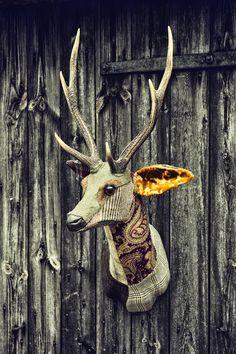 CAROLA VAN DYKE - Textile taxidermy heads