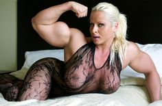 Incredible massive thick muscular and beautiful woman flexing in bed Muscular Legs, Muscular Women, Dream Bodies, Short Bob Haircuts, Muscle Girls, Sweet Girls, White Women, Fitness Models, Beautiful Women