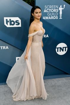 Camila Mendes's Blush Beaded Dress Has a Hidden Cape — Did You See? Camila Mendes Style, Celebrity Outfits, Celebrity Style, Camila Mendes Veronica Lodge, Camila Mendes Riverdale, White Beaded Dress, Looks Kylie Jenner, Kendall Jenner, Camilla Mendes