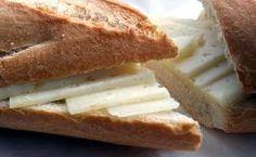 Bocata de queso.    Bocadillos fríos y calientes, perritos (hot dogs), sándwiches y hamburguesas (burguers).     http://www.maremondo.es/