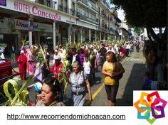 MICHOACÁN MÁGICO, te dice. Durante la semana mayor, en el municipio de Uruapan, se llevan a cabo varios eventos para preservar la riqueza cultural de la región, como son: el desfile artesanal, el tianguis artesanal del domingo de ramos,  los concursos de artesanía e indumentaria tradicional y una muestra gastronómica de comida Purépecha. http://www.recorriendomichoacan.com