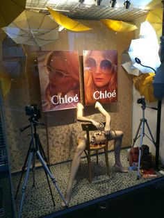 "(A través de CASA REINAL) >>>>>  OCCHIALI OPTOMETRIST, Ponsonby,Auckland, New Zealand, ""Snap Shot"", for Chloe, created by Ton van der Veer"