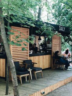 Small Coffee Shop, Coffee Shop Bar, Coffee Shop Interior Design, Coffee Shop Design, Food Truck, Container Coffee Shop, Simple Cafe, Coffee Shop Business, Restaurant Exterior