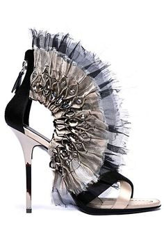 crazy shoes - diego dolcini - silver lining Fall Shoes, Women's Shoes, Hot Shoes, Crazy Shoes, Wedge Shoes, Me Too Shoes, Shoe Boots, Black Shoes, Dream Shoes