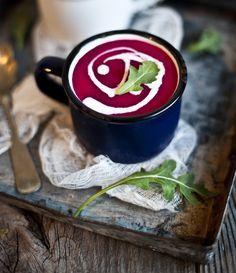 Soupe d'automne : betterave, pomme, lait de coco et gingembre Apple Recipes, Veggie Recipes, Fall Recipes, Homemade Soup, Quick Easy Meals, Entrees, Coconut, Tasty, Favorite Recipes