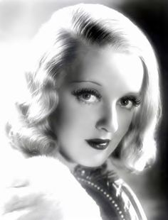 Bette Davis: This woman.this woman! She's got Bette Davis eyes. Hollywood Stars, Old Hollywood Glamour, Golden Age Of Hollywood, Vintage Hollywood, Classic Hollywood, Hollywood Images, Divas, Joan Crawford, Adrienne Ames