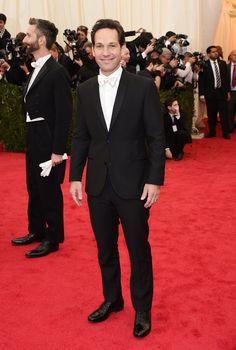 Pin for Later: Seid glamourös oder lasst es sein: Alle Stars vom roten Teppich der Met-Gala! Paul Rudd