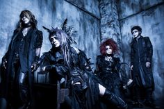 """THE SOUND BEE HD will release their new mini album """"ENDLESS DEAD"""" on January 17th and here is a PV preview! They also have a new look! Mini album:ENDLESS DEAD Release date: January 17t…"""