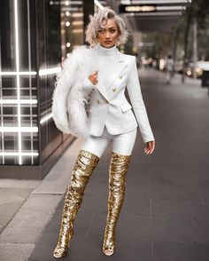 #SlickerThanYourAverage Fashion Blogger Aus Mgmt. | jill@maxconnectors.com.au Aus + Global Mgmt. | jesse@micahgianneli.com ↓New Blog Post Below↓
