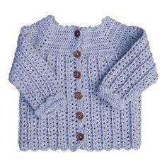 Sød hæklet babytrøje med en lille snoning  Str. 3 - 6 mdr.  Forbrug: 100 - 150 gram  Hæklet i tyndt garn ca. 230 meter = 50...