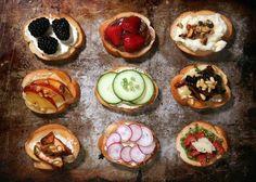 Кростини - предлагаем подробное описание приготовления (состав + способ приготовления) этого замечательного итальянского блюда.