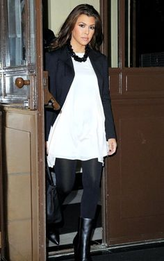 Courtney Kardashian   Black & White Color Blocking