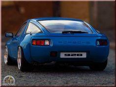 Porsche 928 blue jantes porsche cup logo Autoart diecast model car 1/18 - Buy/Sell Diecast car on Alldiecast.us