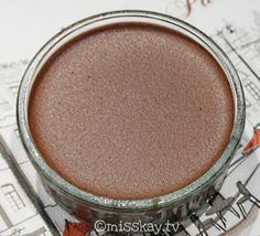 Bulletproof Rezept für leckeren, schokoladigen Pudding. Absolut Low Carb, zuckerfrei und umwerfend gut! Geeignet für Atkins und Keto Diät.