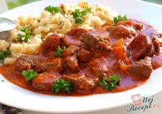 Klasické hlavní jídlo, které zasytí i pořádného chlapa. Jako přílohu jsem tentokrát zvolila nočky, ale klidně můžete i knedlík, kynutý nebo bramborový. Autor: Naďa I. /Rebeka/ New Menu, Gnocchi, Food Videos, Food And Drink, Cooking Recipes, Beef, Treats, Ethnic Recipes, Lasagna