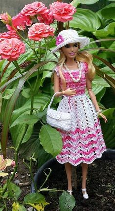 Irresistible Crochet a Doll Ideas. Radiant Crochet a Doll Ideas. Crochet Barbie Patterns, Crochet Doll Dress, Barbie Clothes Patterns, Crochet Barbie Clothes, Doll Clothes Barbie, Barbie Dress, Knitted Dolls, Barbie Doll, Accessoires Barbie