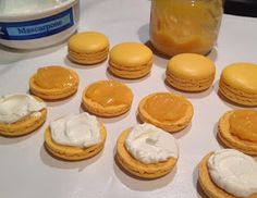 """Ano, je to tak, další citronový dezert. Možná bych měla zvážit název blogu a přejmenovat ho na """"citronové pečení"""". Tentokrát jsem v tom ale... Cupcakes, Cupcake Cakes, Cheesecake, Food And Drink, Breakfast, Desserts, Blog, Anna, Kitchen"""