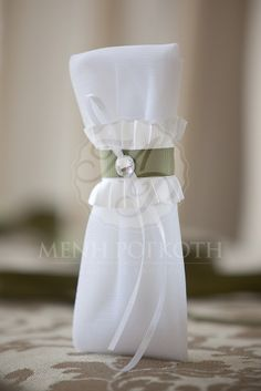 Beautiful ruffled wedding favor - bomboniere