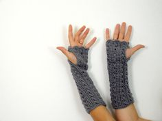 Victorian fingerless gloves, crocheted ​​with light gray acrylic yarn for women.    These fingerless mittens are very long have a decorative and