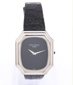 """Beautiful Patek Phillipe """"Frame"""" wristwatch from the 70ies in massive 18 karat white gold case (0,750/000) in art deco style. Onyx dial (yes, massive thin onyx), white gold hands, original leather strap with massive 18karat white gold original buckle, all signed. With """"extract d´archives"""". Collector's piece. Find more details at our website, watch-time ID 2193. #patekphilippe #patek #patekcollector #70s #vintage #luxury #watch #vintagewatch #frame"""