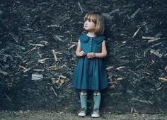 Robe de fille Double col Denim robe - robe sans manches Denim - Denim gris pour enfant en bas-âge à la main par OFFON