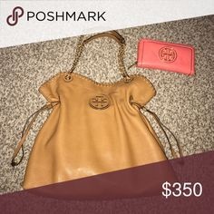 Tory Burch Bundle 🌸 Bag and wallet. Purse in perfect, like new condition - dust bag included. There is the thread on one of the shoulder straps... I took a close up...  Wallet in great condition, too; only flaw being the discoloration on the back. Purchased both of these last month off of Poshmark 💕 ***will post more pics*** Tory Burch Bags Shoulder Bags