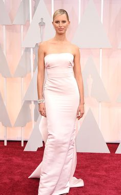 Karolina Kurkova in Marchesa at the Academy Awards 2015 | #2015Oscars #redcarpet #bestdressed