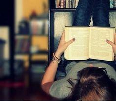 Los beneficios de la lectura son grandes y muchos de ellos desconocidos. En este artículo te contamos los siete más importantes!