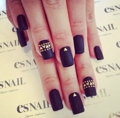 Black matte nailpolish and gold triangular design (dont like the square long shape D the nails..) Discover and share your nail design ideas on https://www.popmiss.com/nail-designs/