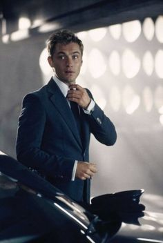 Jude Law. Another reason to love men.