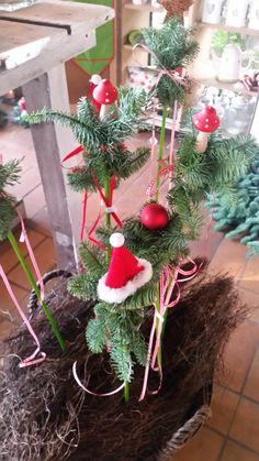 Christmas Wreaths, Christmas Ornaments, November 2019, Holiday Decor, Home Decor, Crafting, Decoration Home, Room Decor, Christmas Jewelry
