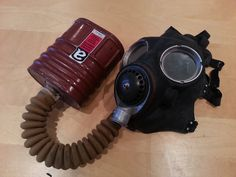WW2 Gas Mask filter tested by ENV found to contain Crocidolite (Blue) Asbestos